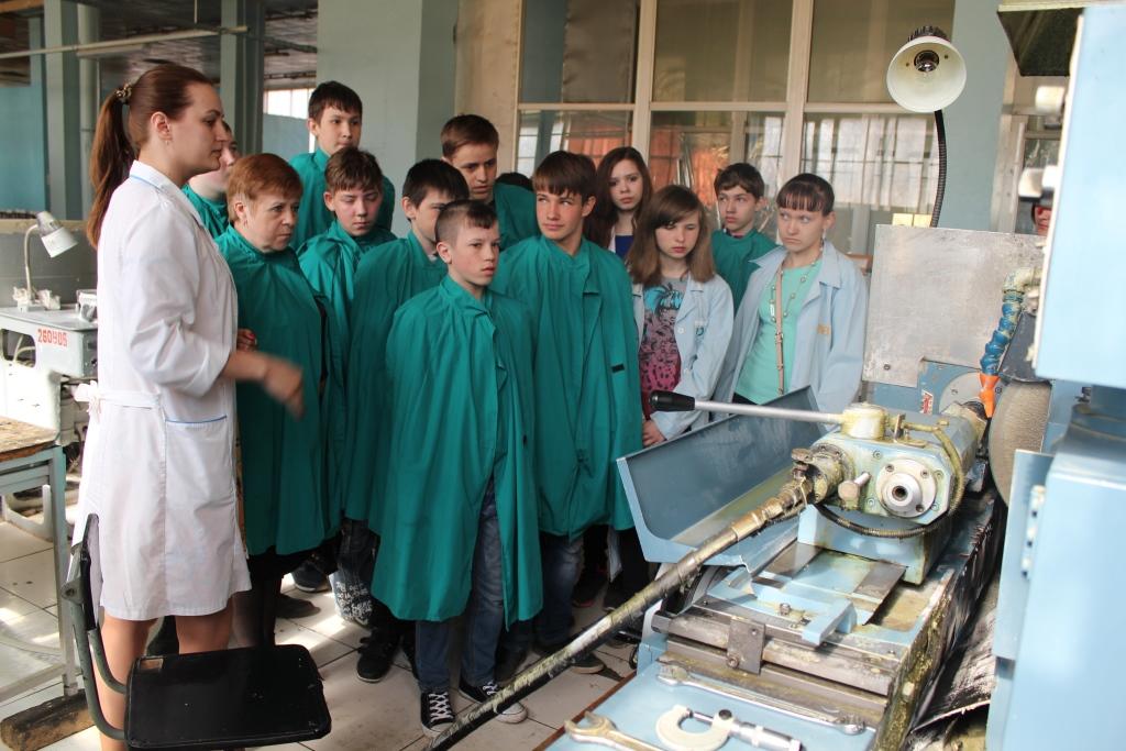 Более тысячи школьников и студентов посетили ярославские предприятия в рамках «Недели без турникетов»