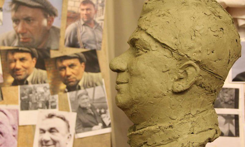 Под Ярославлем памятник Макарычу откроют под песню «Смуглянка»