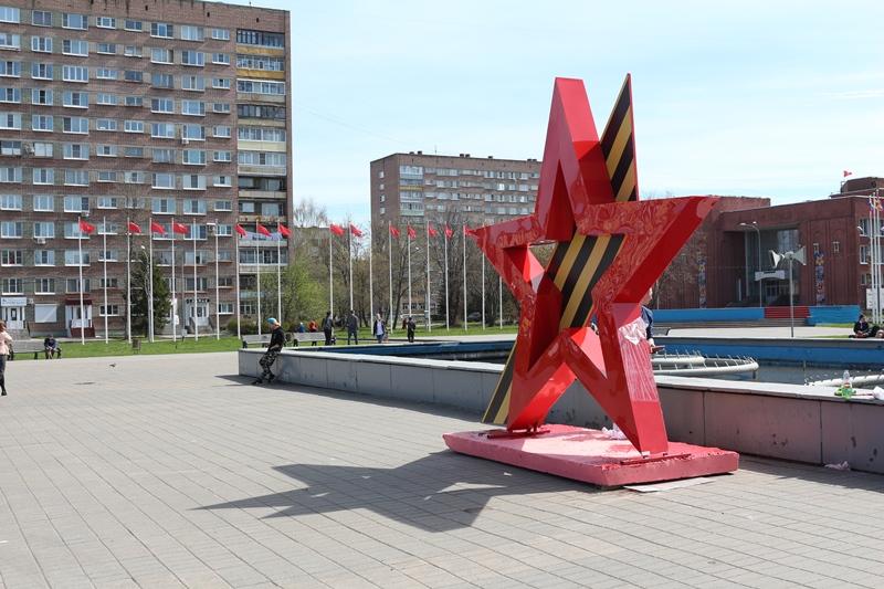 В Рыбинске установили четырехметровую звезду