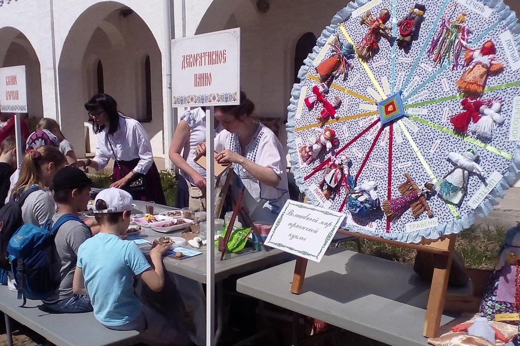 В Ярославской области прошел фестиваль русского гостеприимства «Хлеб-да-Сольба»: фото