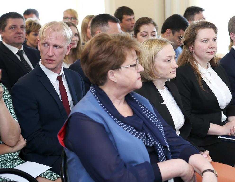 На встрече руководства «Россетей» с трудовым коллективом Ярославского филиала МРСК Центра обсудили практические шаги по цифровизации ЭСК
