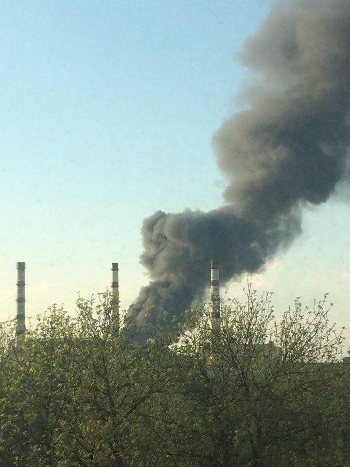Площадь пожара в промзоне Ярославля составляет около тысячи квадратных метров