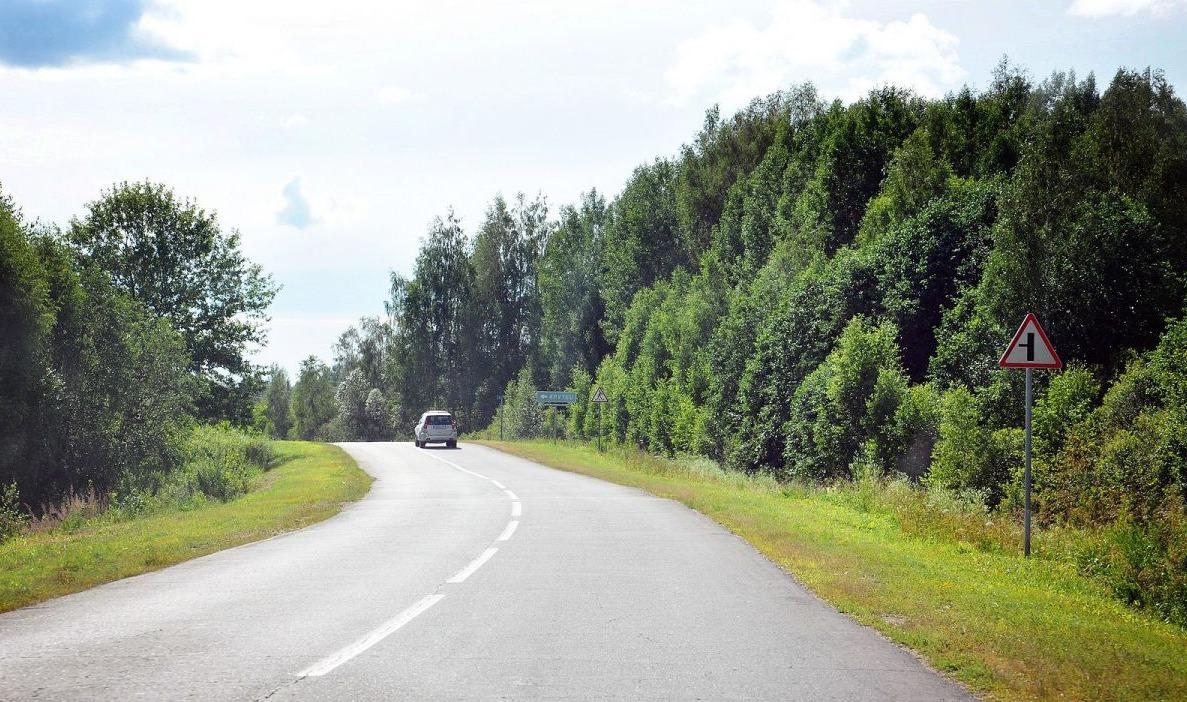 Прокуратура требует оборудовать остановки на трассе М8 в Ярославской области