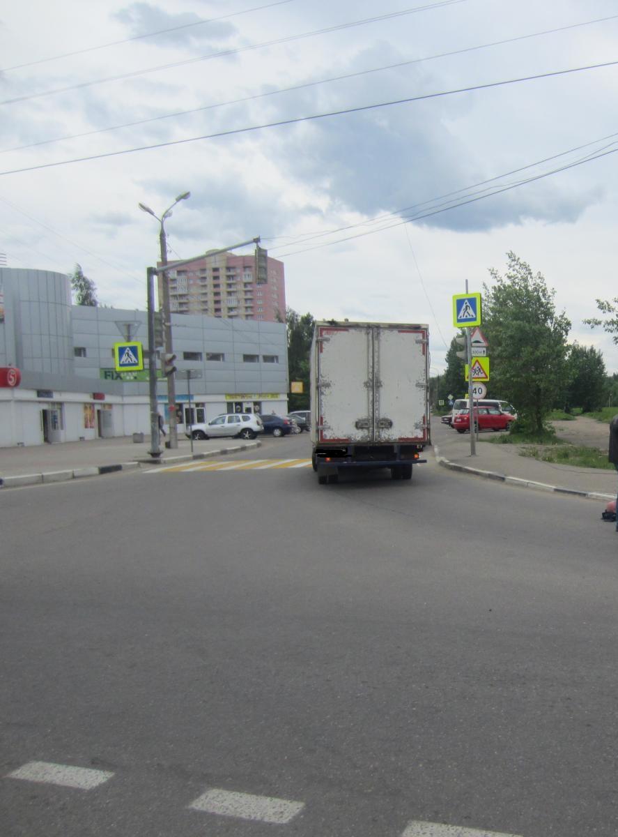 В Ярославле мужчина попал под колеса «Газели»