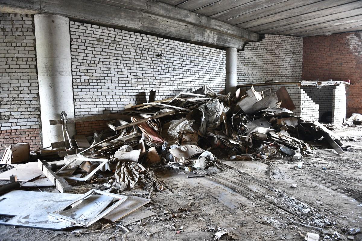 За два дня из-под Добрынинского моста в Ярославле вывезли семь самосвалов мусора