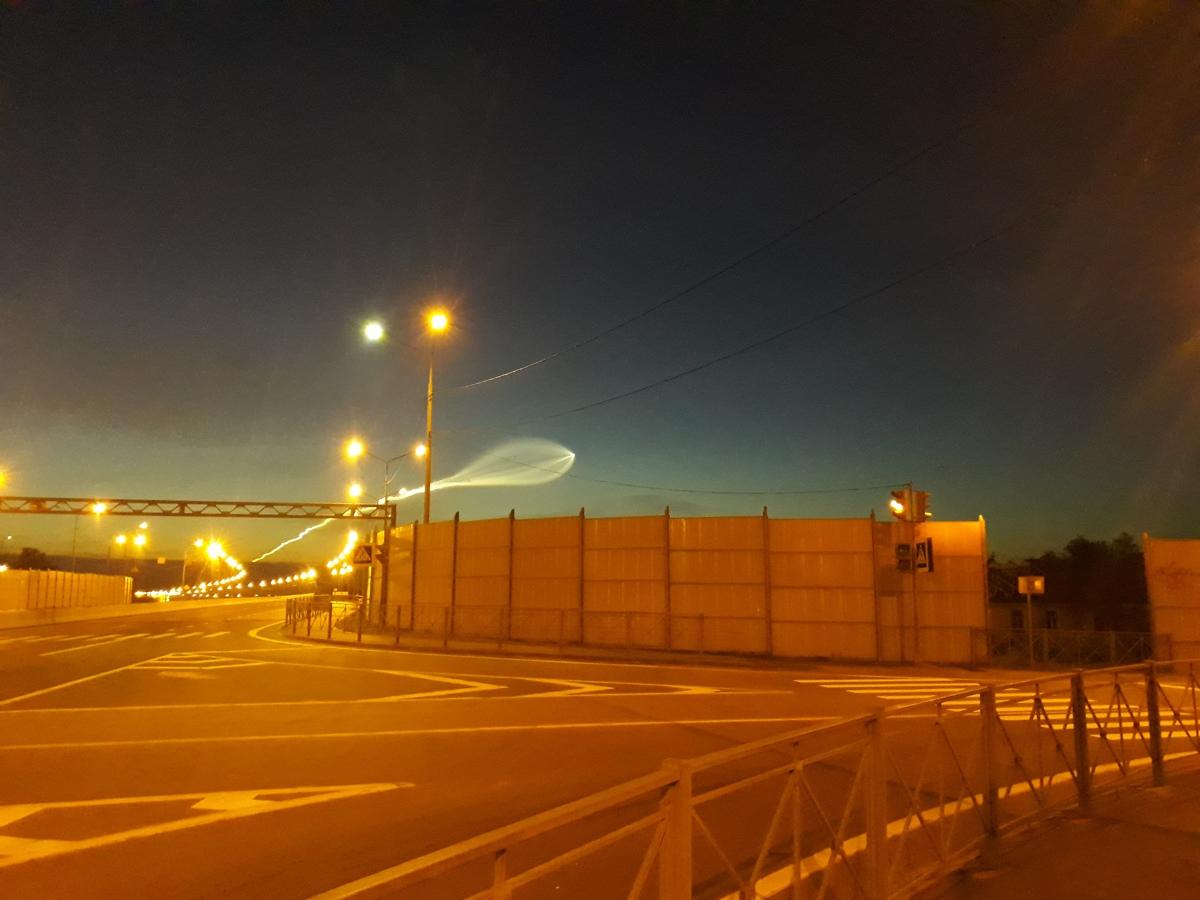 В небе над Ярославлем засняли космический корабль: фото
