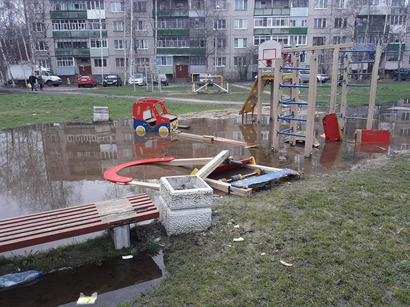 Детские площадки в Рыбинске опасны для здоровья несовершеннолетних – прокуратура