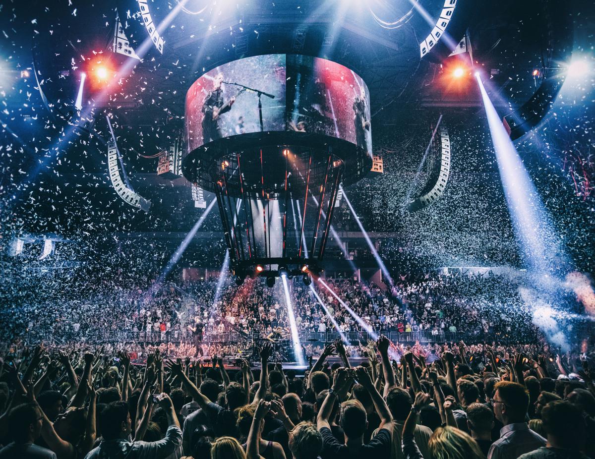 Концерт «Muse: Drones World Tour» в Киномакс-Аура