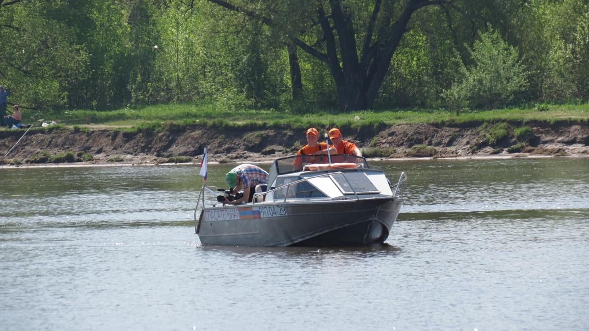 Ярославские спасатели вытащили из воды 13-летнюю девочку