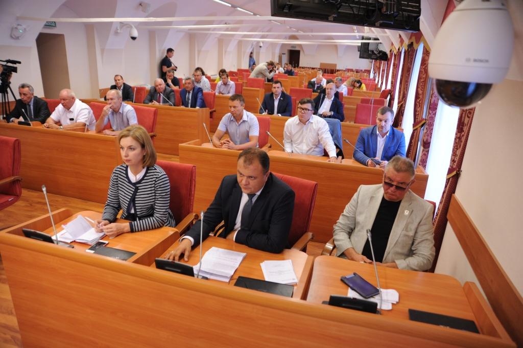 Ярославские единороссы обсудили возможность введения ограничений на ввоз мусора из соседних областей