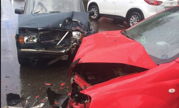 В ДТП недалеко от девятой больницы в Ярославле пострадал человек