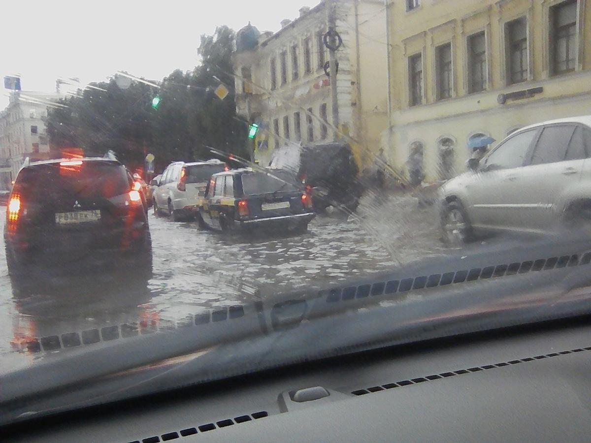 Доставайте гондолы. Осадки превратили Ярославль в Венецию: фото и видео