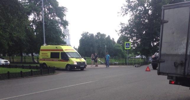 У Вечного огня в Ярославле сбили велосипедиста