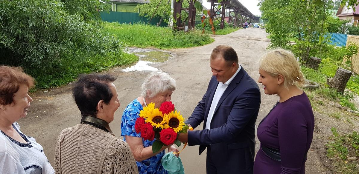 Эксперты новой экологической политики поздравили Лидию Байкову с 80-летием