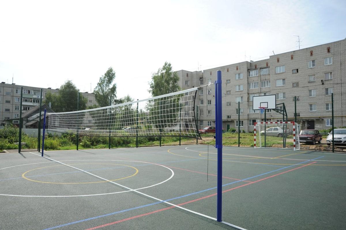 В Ярославской области по программе «Решаем вместе!» построена новая спортивная площадка