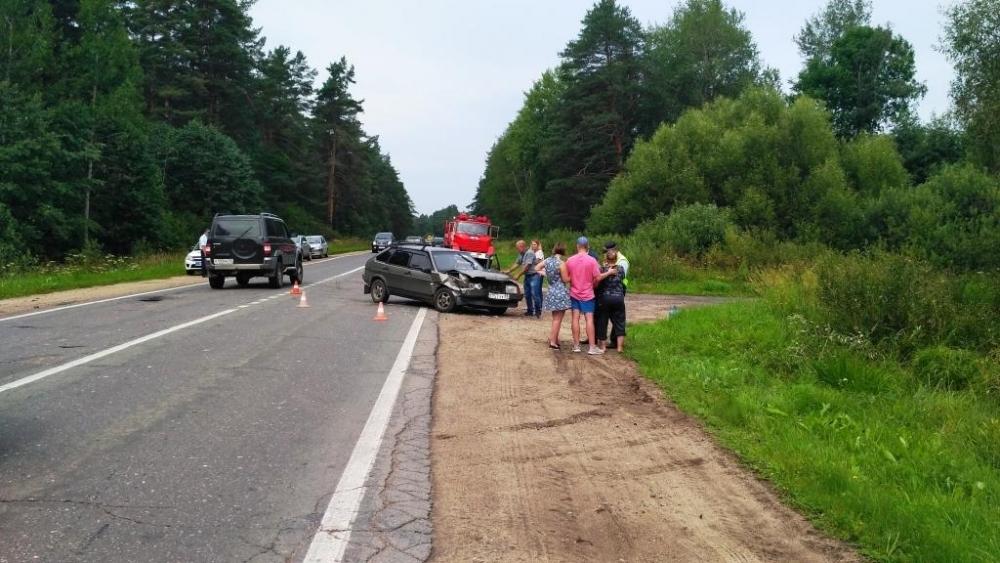 В крупном ДТП в Ярославской области пострадали три человека, в том числе ребенок