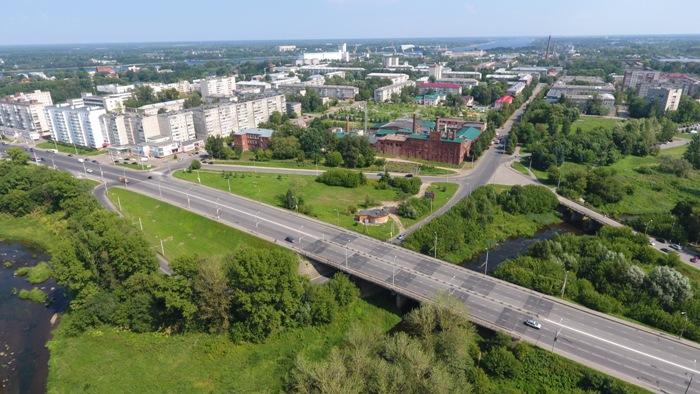 Мост в Рыбинске, с которого падали куски бетона на дорогу, угрозы не представляет – администрация