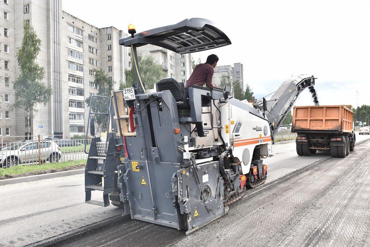 Дорожное покрытие на проспектах Авиаторов и Ленинградском должно быть сделано до сентября – мэр