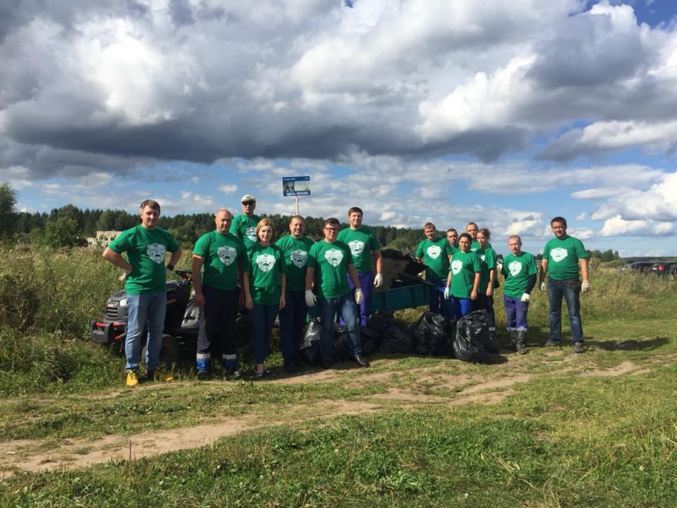 Волонтеры «Экодесанта» и жители Мышкина привели в порядок набережную Волги