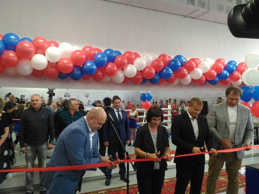 Олимпийский чемпион принял участие в открытии нового зала бокса в Рыбинске