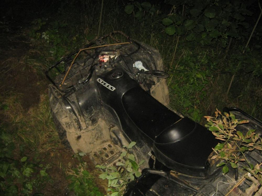 В Ярославской области водитель квадроцикла перевернулся в овраг и погиб