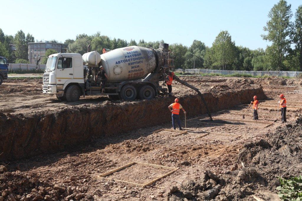 На стройку бассейна в Брагине начнут завозить песок