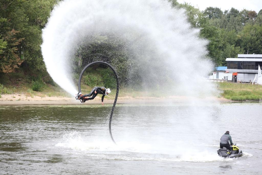 В Ярославле проходит всероссийский чемпионат по водно-моторному спорту: фото