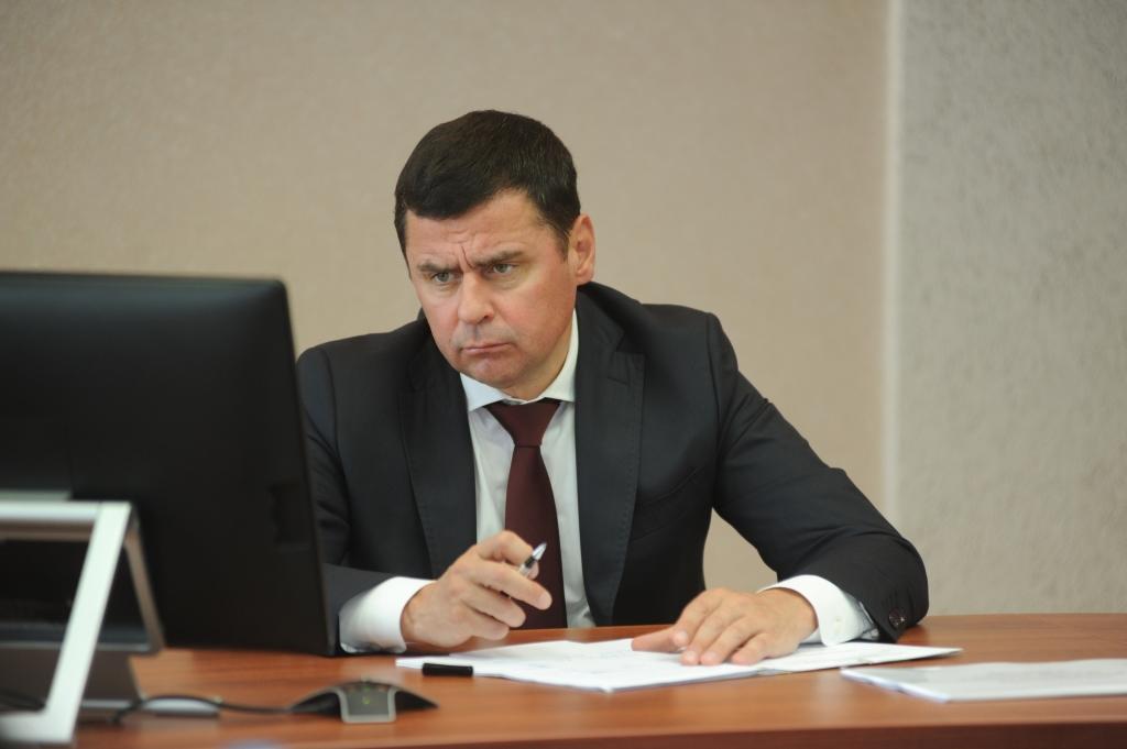 Дмитрий Миронов напомнил главам районов о личной ответственности за выполнение работ в рамках проекта «Решаем вместе!»