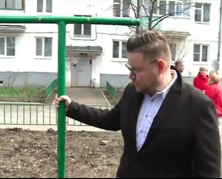 Евгений Чуркин: после вмешательства прокуратуры мэрия исправила недостатки в брагинском дворе