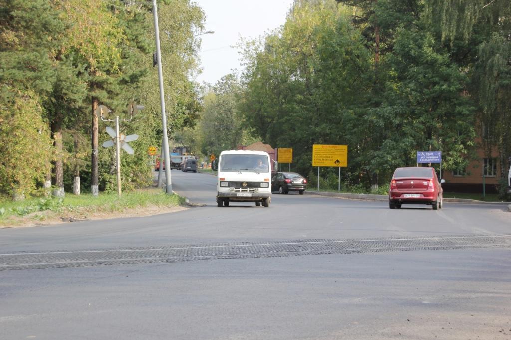 Ремонт двух дорог за Волгой в Ярославле завершат в сентябре