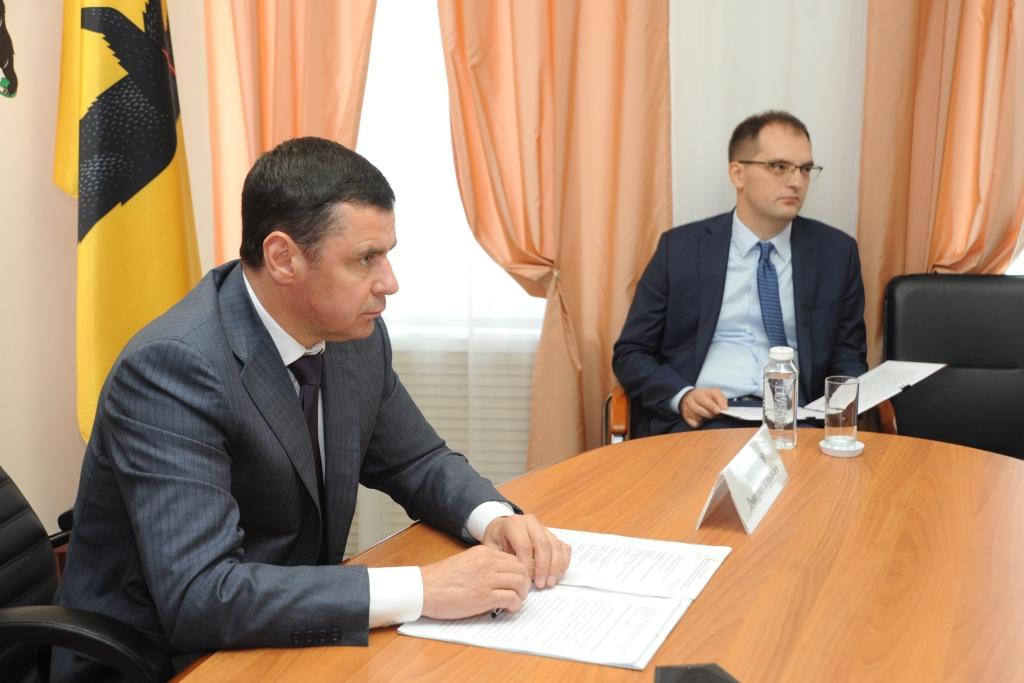 Губернатор рассказал главе правительства РФ о новых школах и детсадах в Ярославской области
