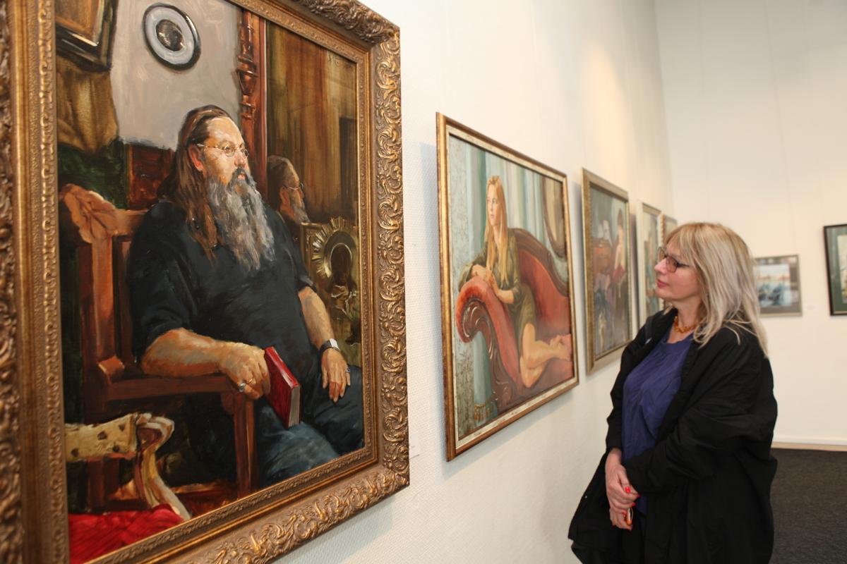 В Ярославле состоялось открытие выставки, приуроченной к юбилею известного художника