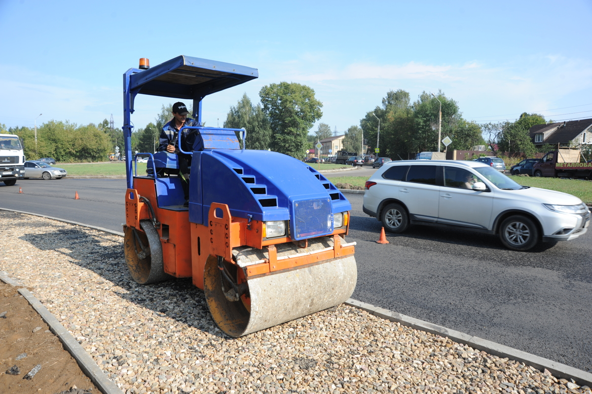 В Ярославле проинспектировали ход дорожных работ на проспекте Авиаторов