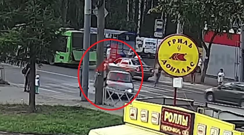 Появилось видео, как «десятка» сбила девушку на переходе в Ярославле