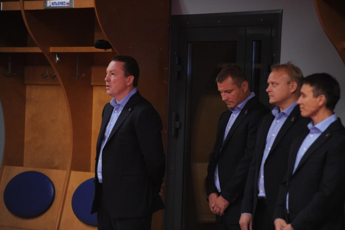 Дмитрий Миронов поздравил ярославцев с началом нового хоккейного сезона: фото