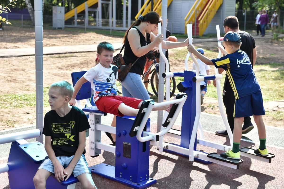 В Ярославле после ремонта торжественно открыли парк «Нефтяник»: фото
