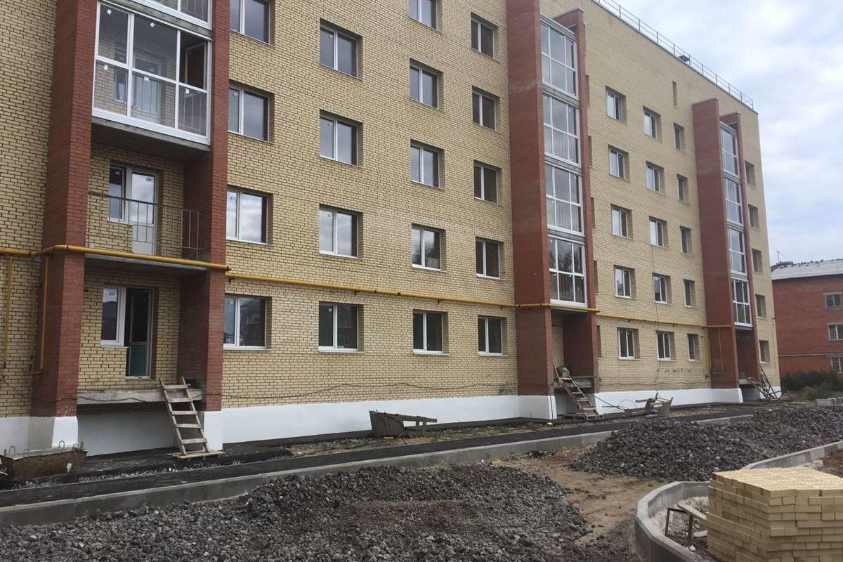 Строительство проблемного дома под Ярославлем планируют завершить до конца года