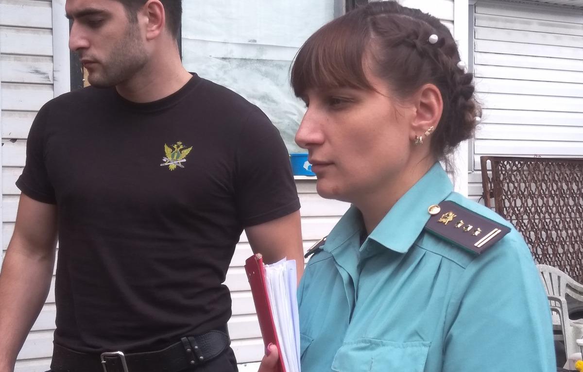 Алиментщика в Ярославской области сначала обокрали, а затем отправили на обязательные работы