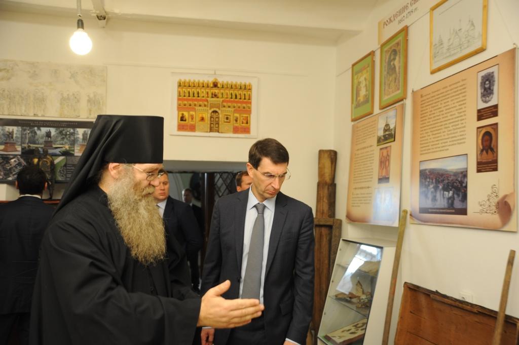 Полпред президента оценил ход реставрационных работ в Кирилло-Афанасиевском мужском монастыре