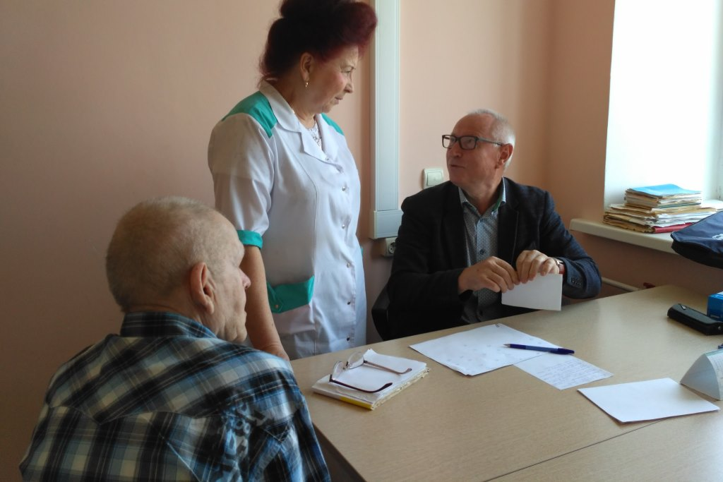 Областные онкологи во время дня открытых дверей обследовали около ста человек