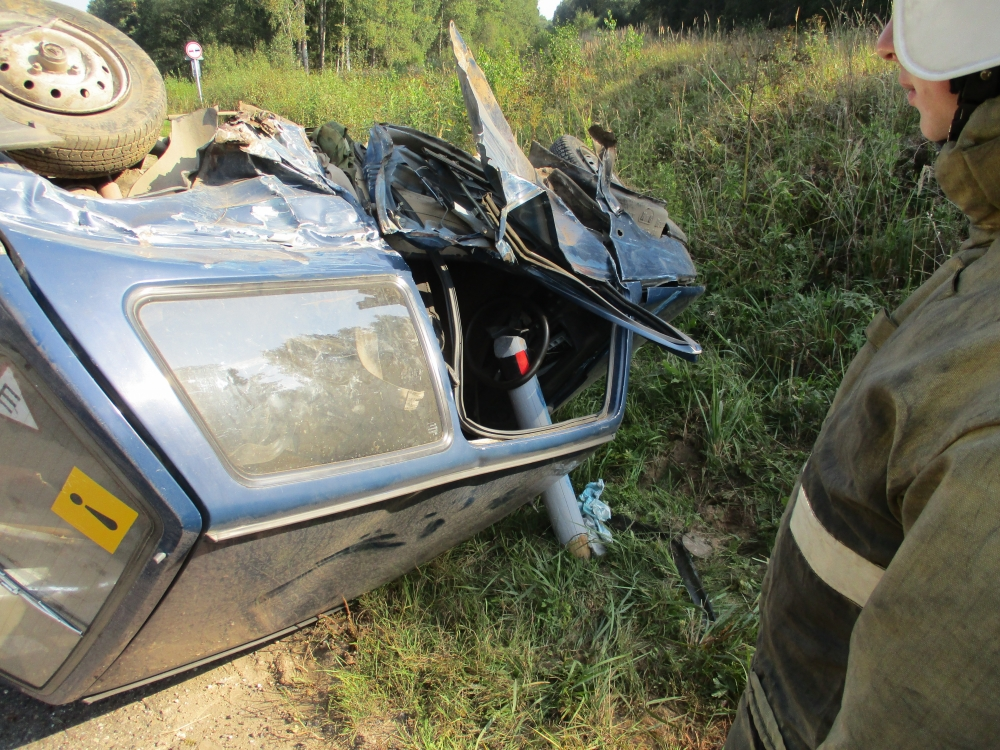 В Ярославской области лишенный прав водитель сел за руль и попал в ДТП