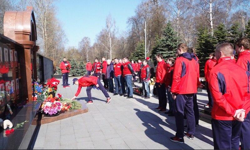 Семь лет без... Какие мемориалы в память о «Локомотиве» появились в Ярославле за это время