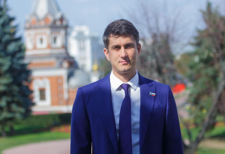 Артур Ефремов прокомментировал участие депутатов муниципалитета в выборах в облдуму