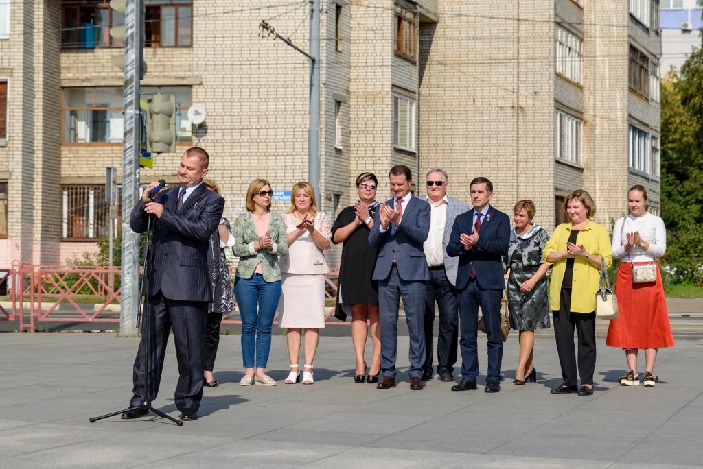 На ярославской Аллее космонавтов появились звезды в честь Юрия Маленченко и Алексея Овчинина