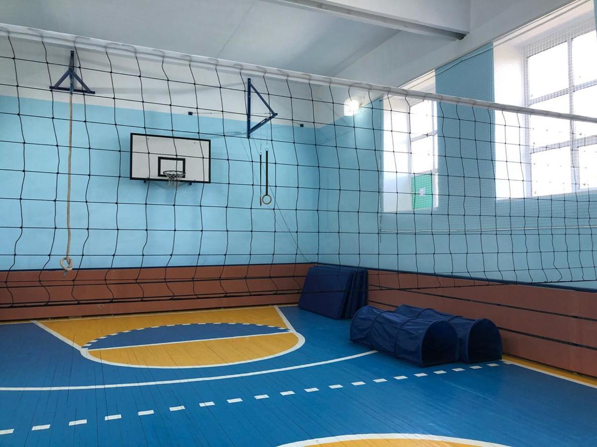 В Мышкинском районе средства губернаторского гранта направлены на ремонт ДК и оснащение школьного спортзала