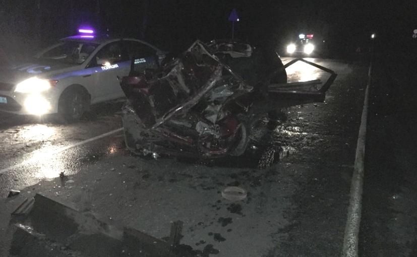Жуткое ДТП произошло на трассе М8 под Ярославлем: погиб водитель иномарки