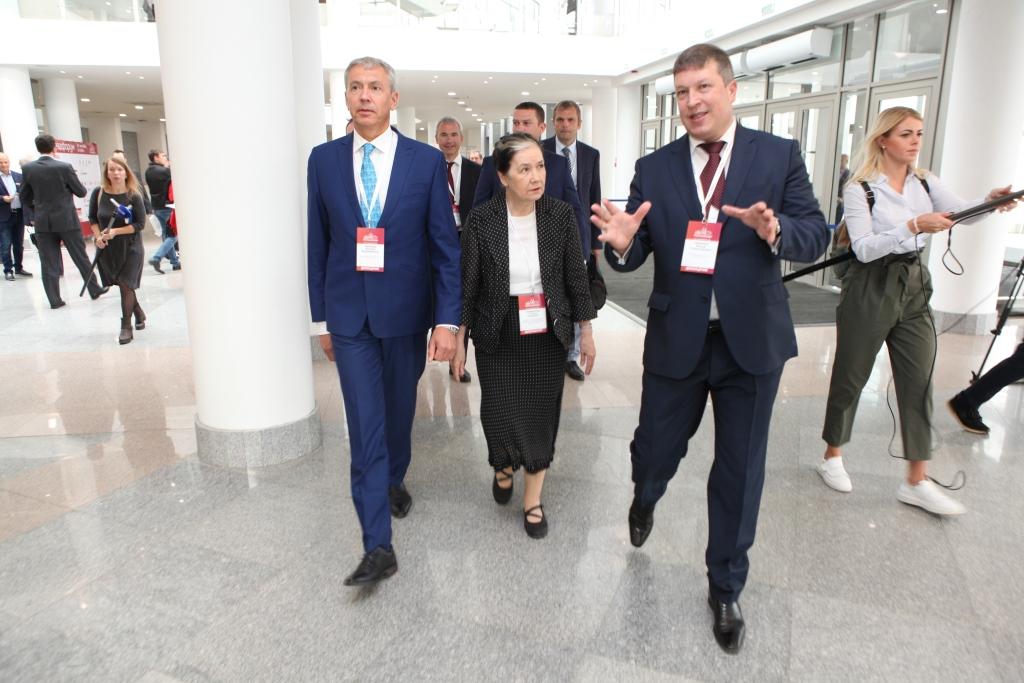 Специалисты из разных регионов страны принимают участие в Ярославском градостроительном форуме
