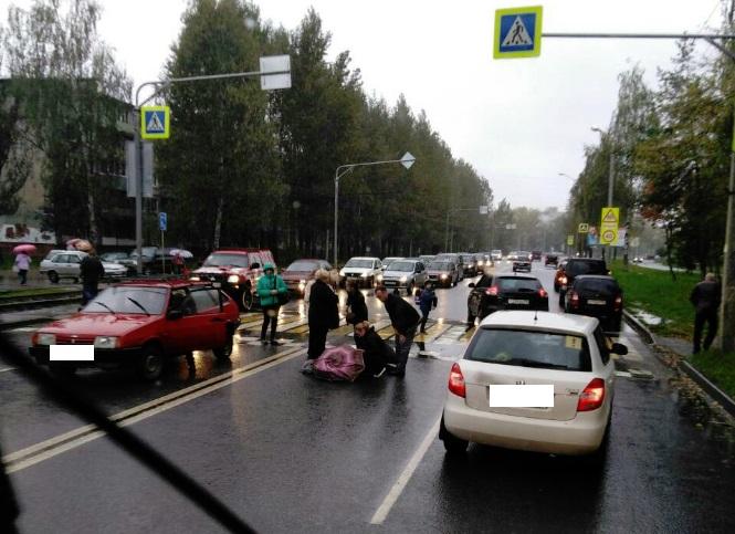 В Ярославле на «зебре» «девятка» сбила 15-летнюю девушку