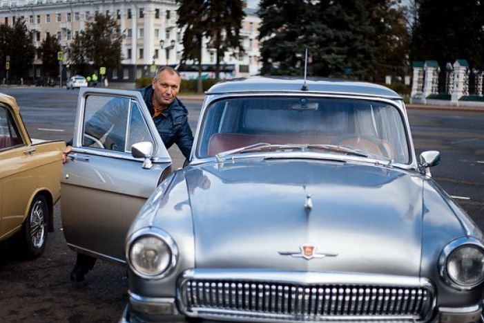 В Ярославле прошло ралли классических автомобилей «Золотая осень»: фото