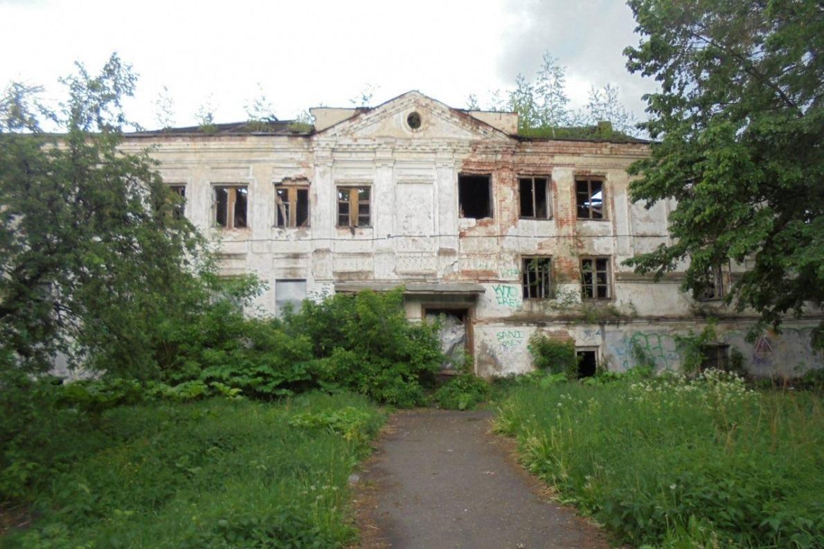 Два объекта культурного наследия изымут у собственников в Ярославской области через суд